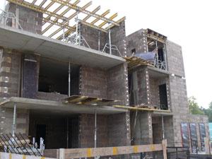 statomas namas iš izoblok