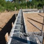 Namo statyba iš izoblok blokelių, išmūryta pirma juosta